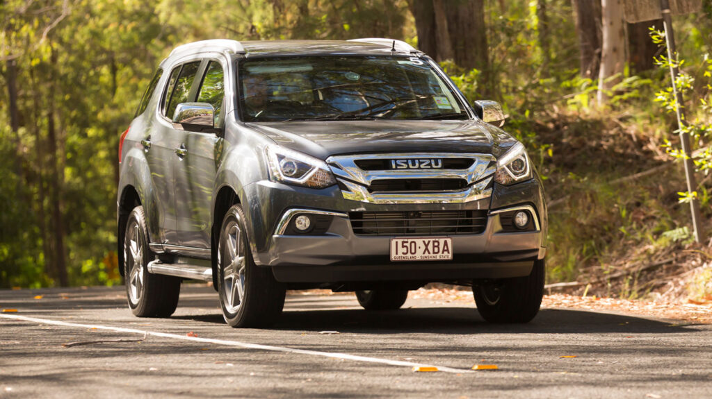 Isuzu MU-X has 3 ISOFix points