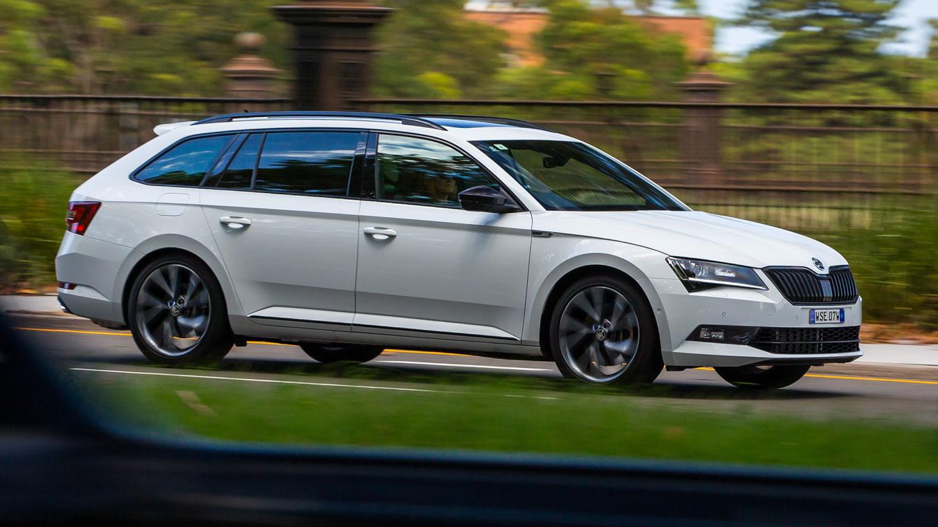 Skoda Superb Wagon >> Family Car Review 2018 Skoda Superb