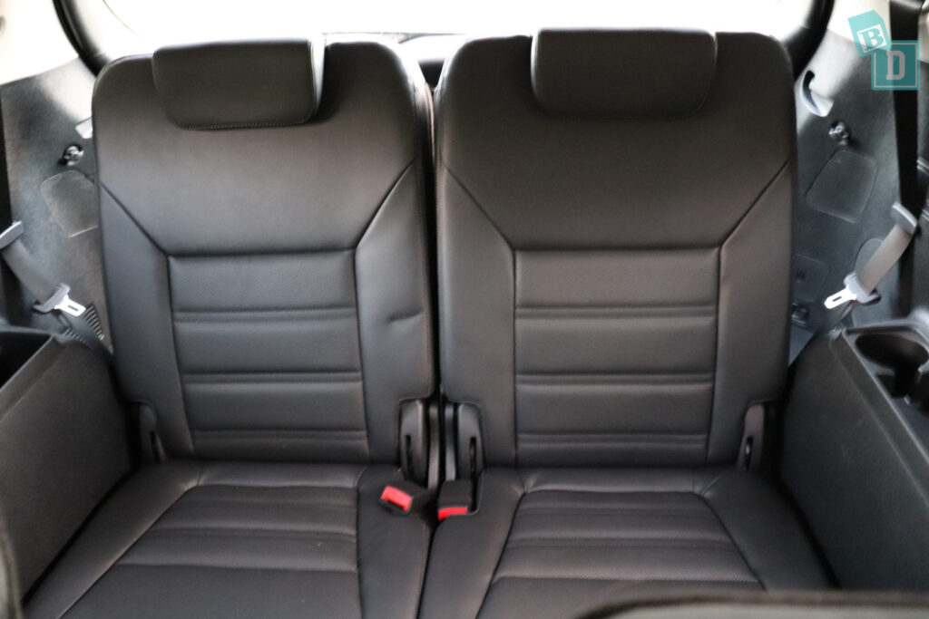 The Second Row Seats Are Split 60:40 For Sliding And Reclining, And Also,  40:20:20 Split Fold So You Can Bring The Central Seat Down On Its Own Too.