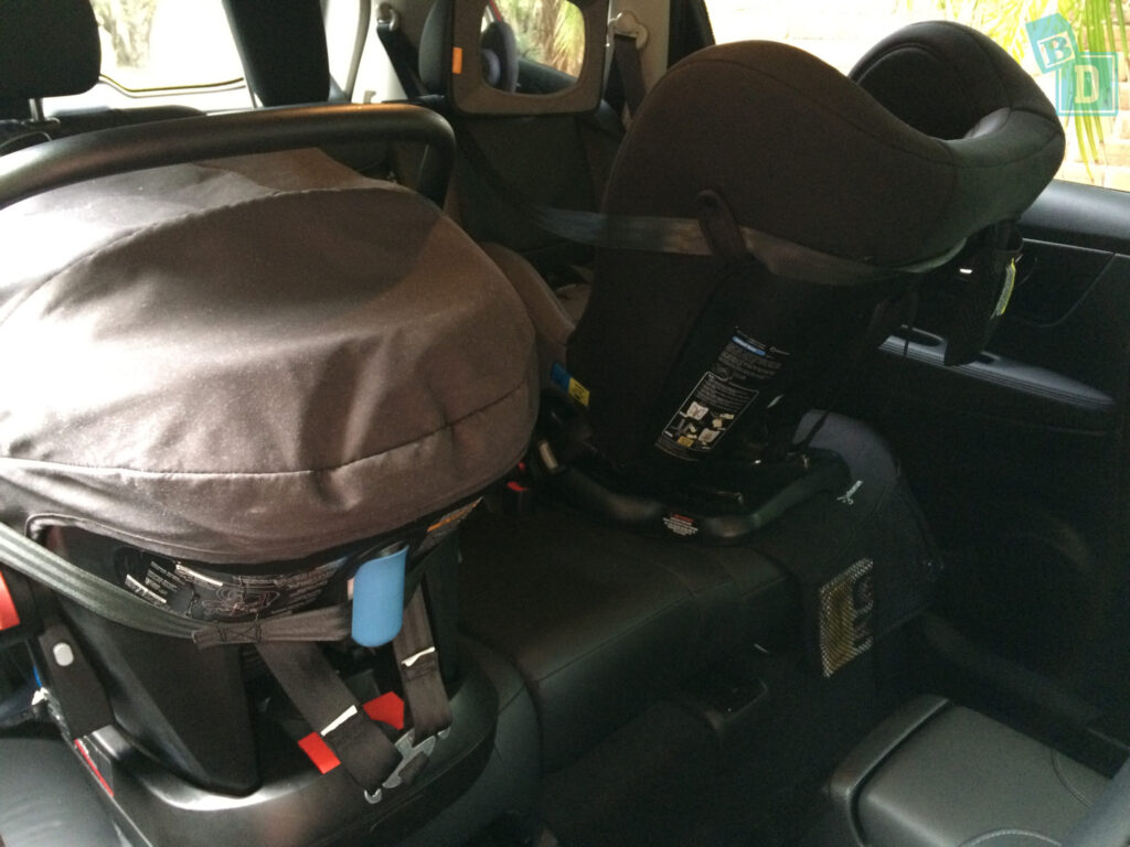 In The Second Row Of Seats There Are ISOFix Points Each Two Outer