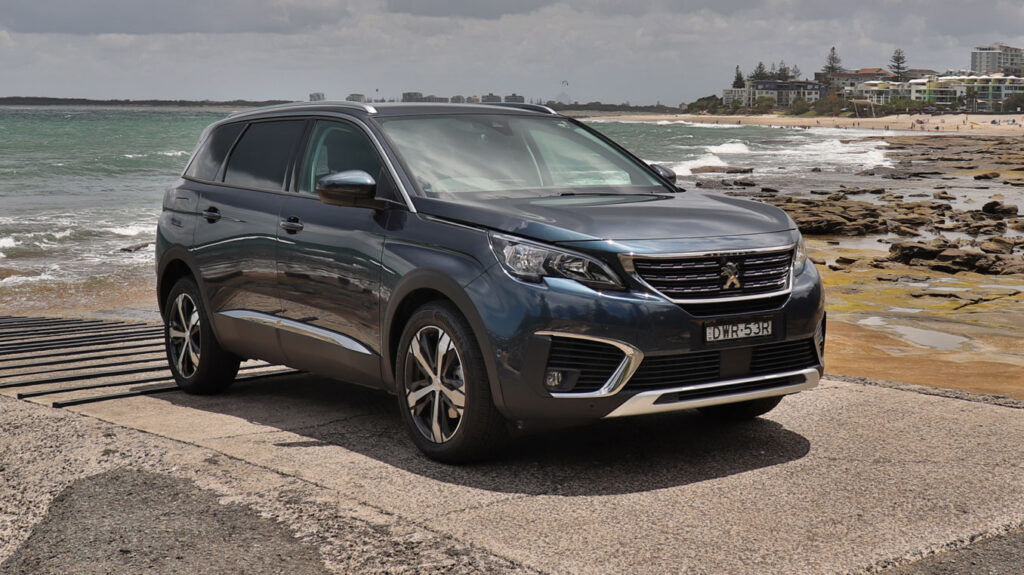 Peugeot 5008 has 3 ISOFix points