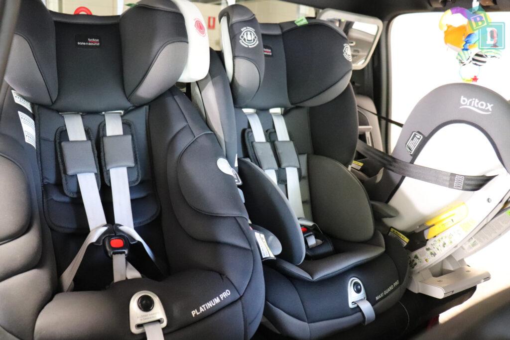 Three child seats installed in a Volkswagen Amarok