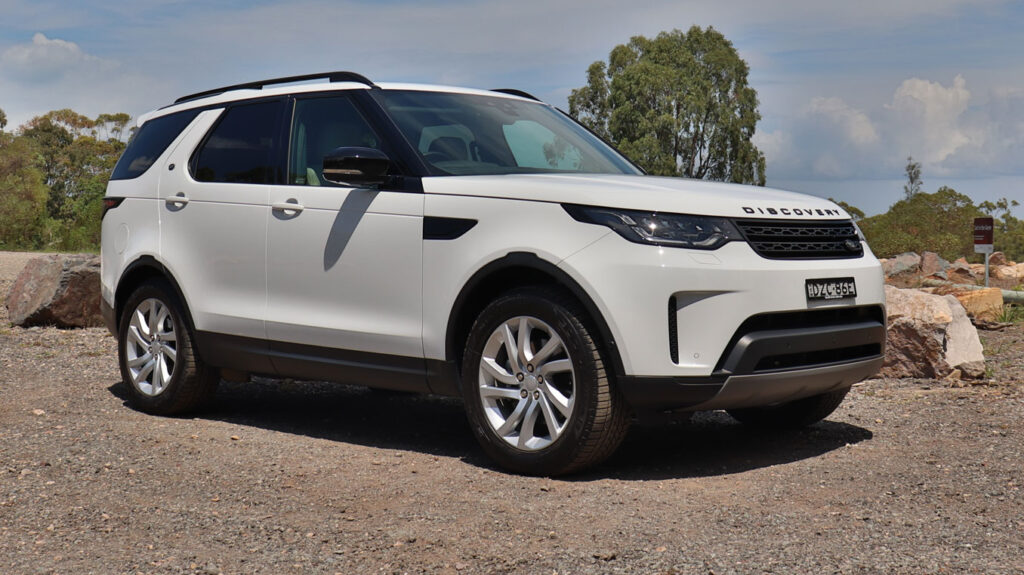 Land Rover Discovery has 4 ISOFix points