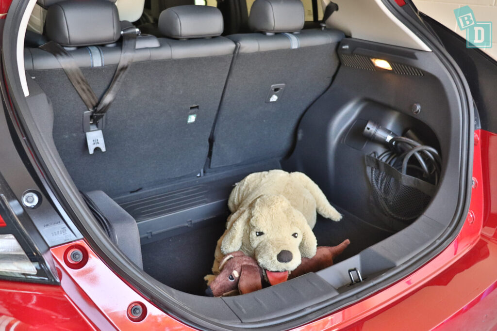 2021 Nissan Leaf e+ boot space for dogs with two rows of seats in use