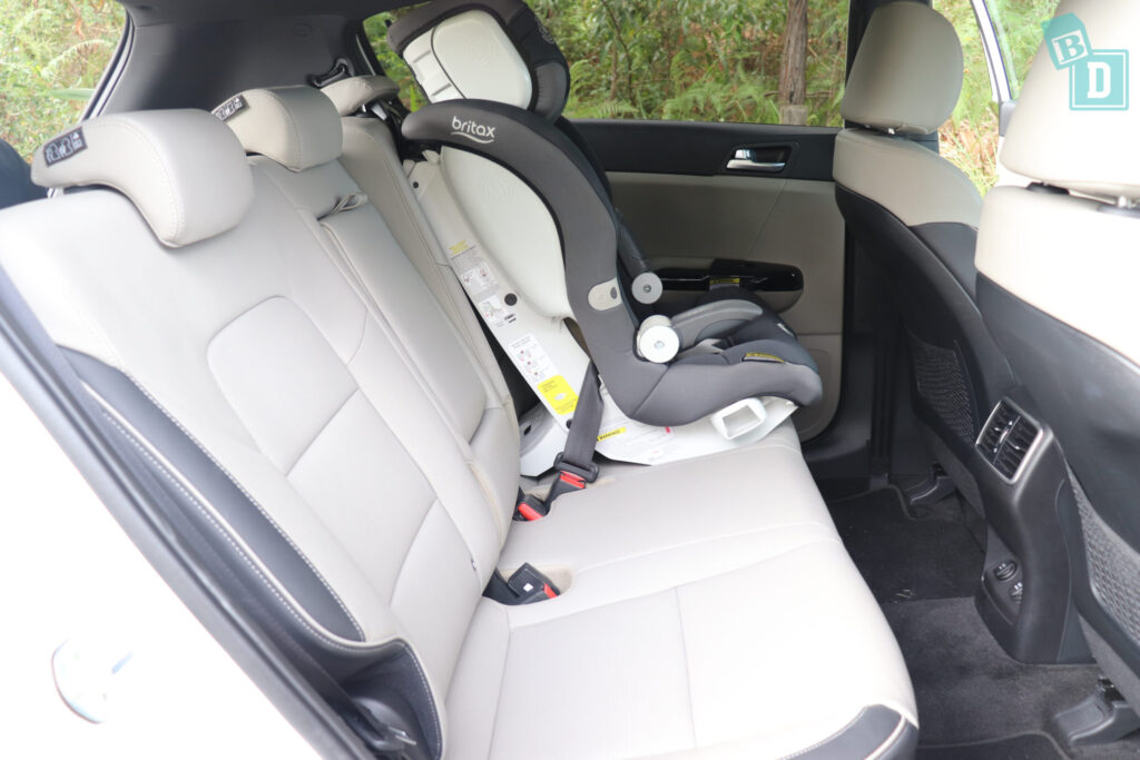 2020 Kia Sportage GT Line legroom with forward facing child seat installed