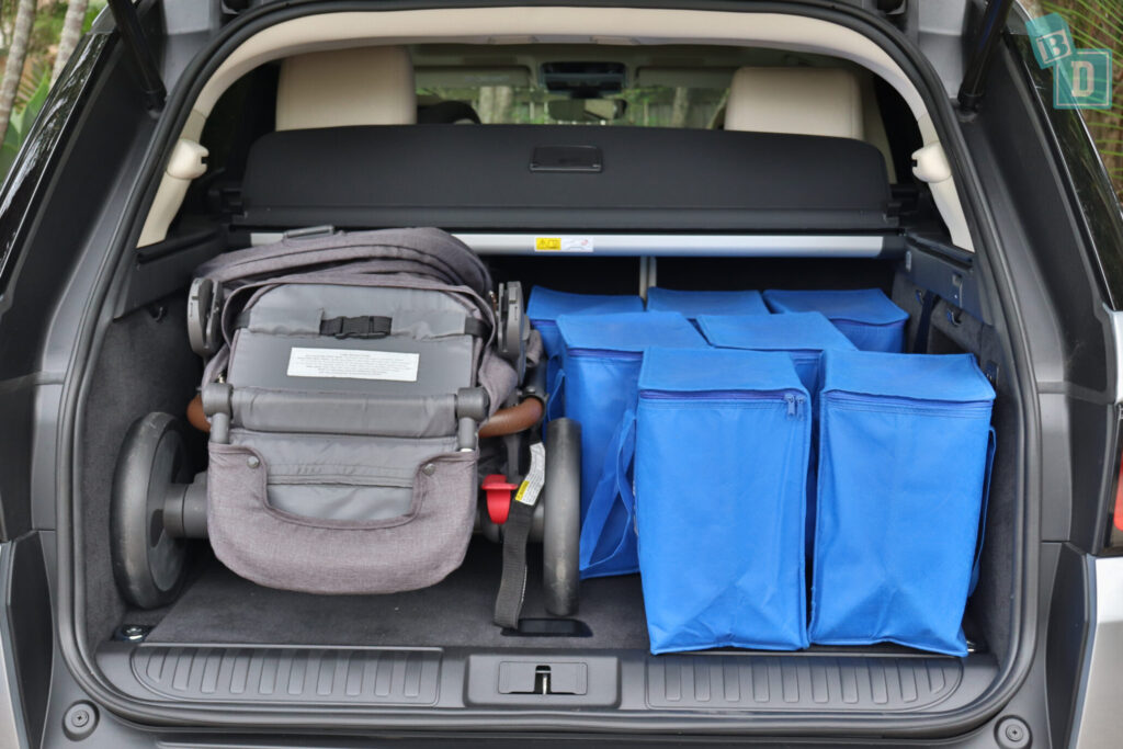 Range Rover Sport 2020 HSE R-Dynamic boot space with tandem stroller