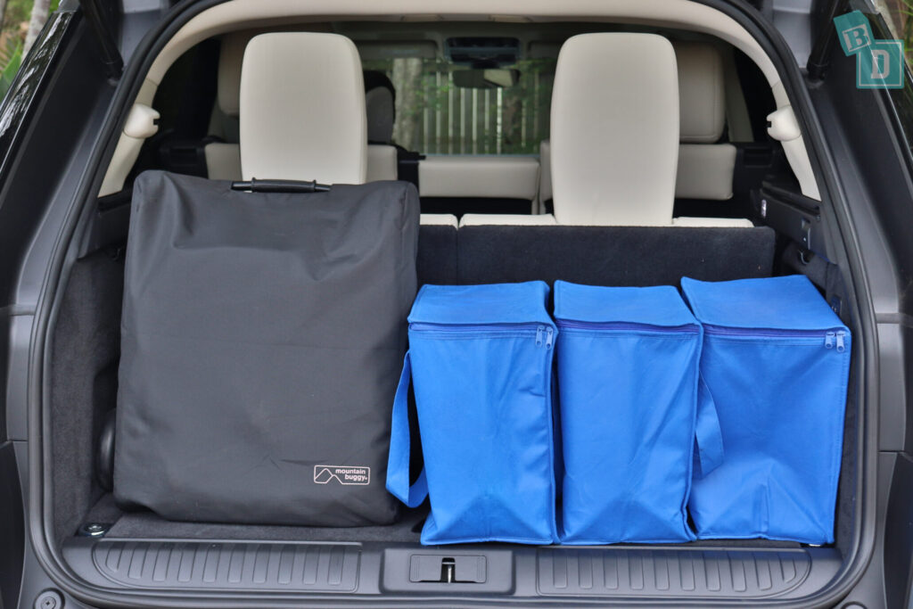 Range Rover Sport 2020 HSE R-Dynamic boot space with compact stroller and all three seating rows in use