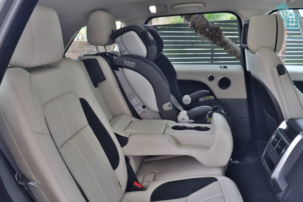 Range Rover Sport 2020 HSE R-Dynamic with one child seat installed