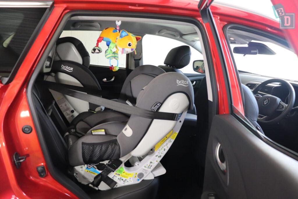 Renault Kadjar Zen 2020 with child seats installed