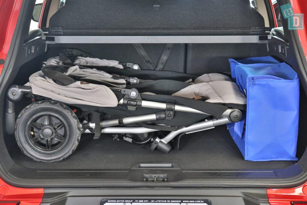 Renault Kadjar Zen 2020 boot space with side by side twin stroller
