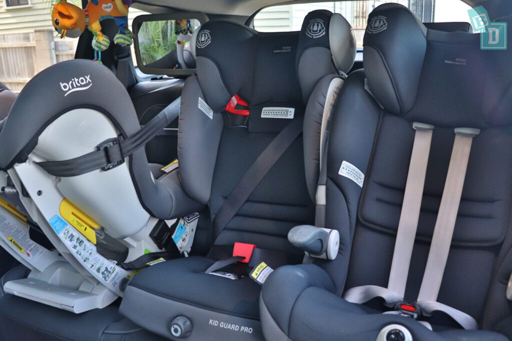 Renault Koleos Intens 2020 with three child seats installed