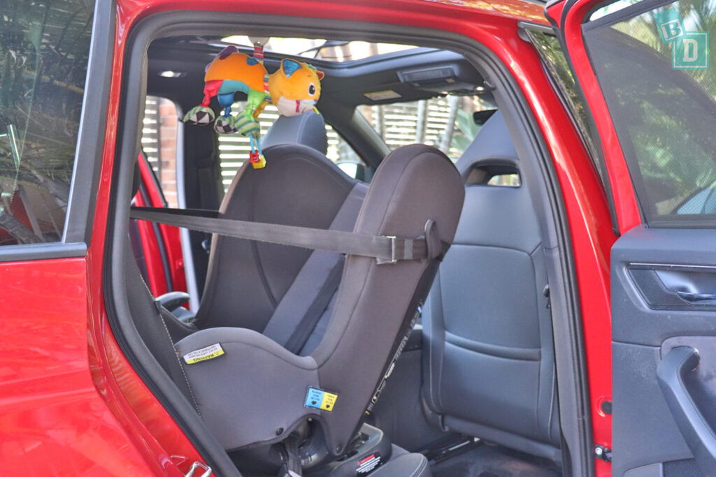 Skoda Kodiaq Sportline 2020 legroom with rear facing child seats installed