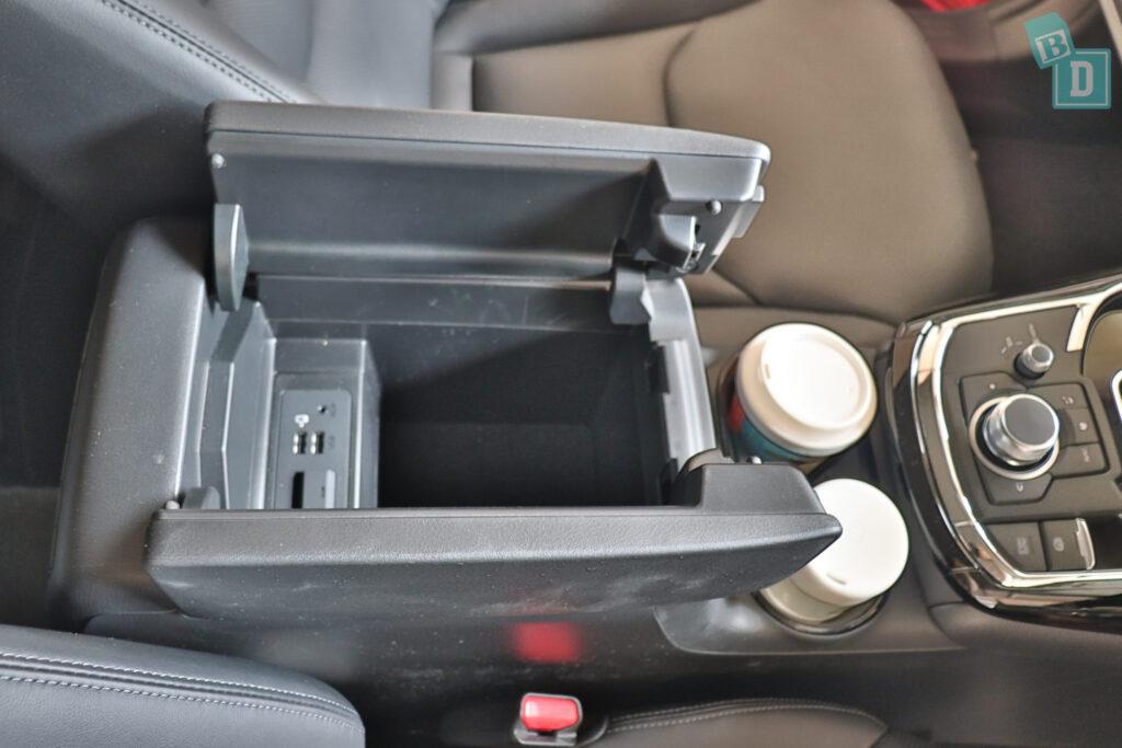 Mazda CX-9 cabin storage