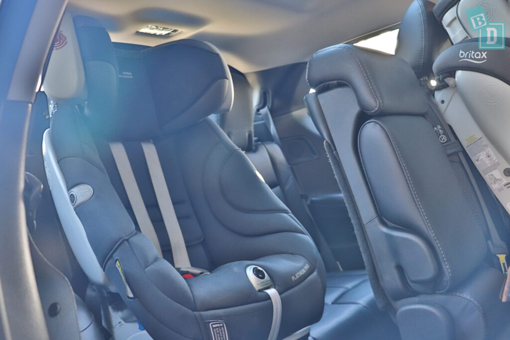 NISSAN PATHFINDER N-TREK 2020 can fit one child seat in the third row