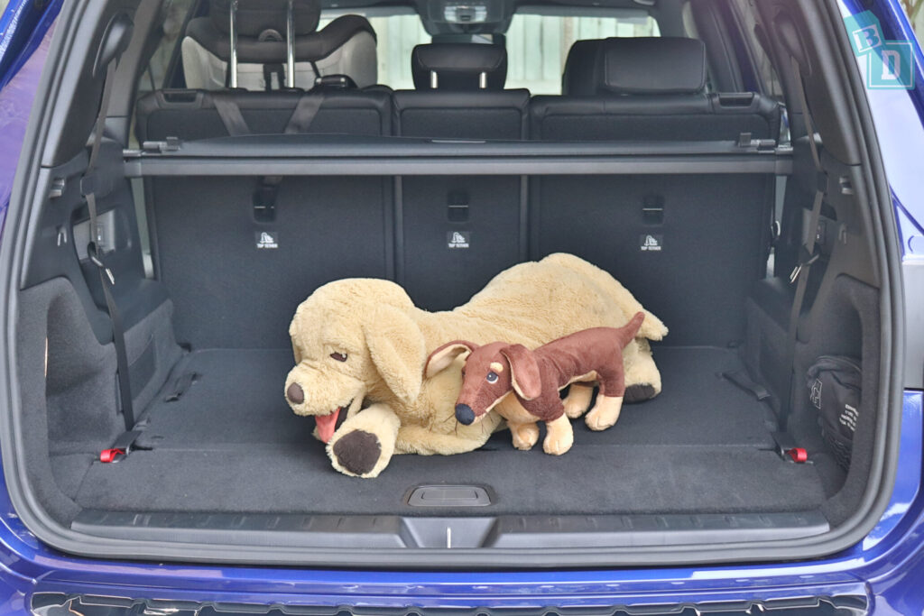 Mercedes-Benz GLB 2020 dogs in boot