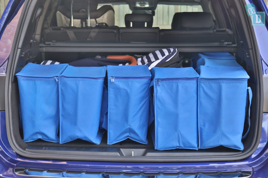 Mercedes-Benz GLB 2020 single stroller and shopping in boot