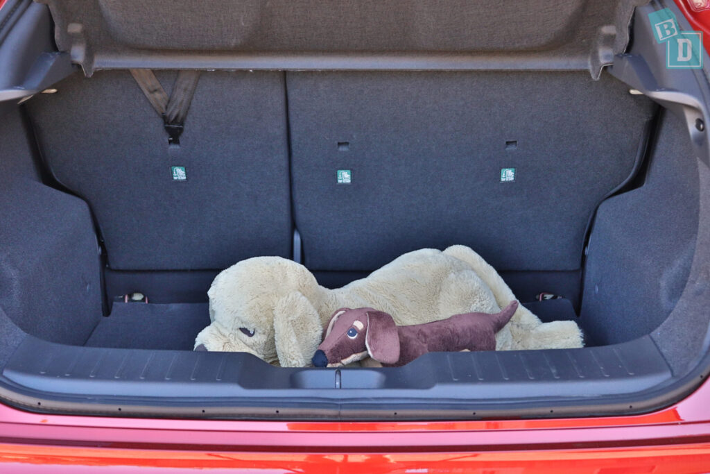 Nissan Juke ST+ 2020 has room for a dog in the boot