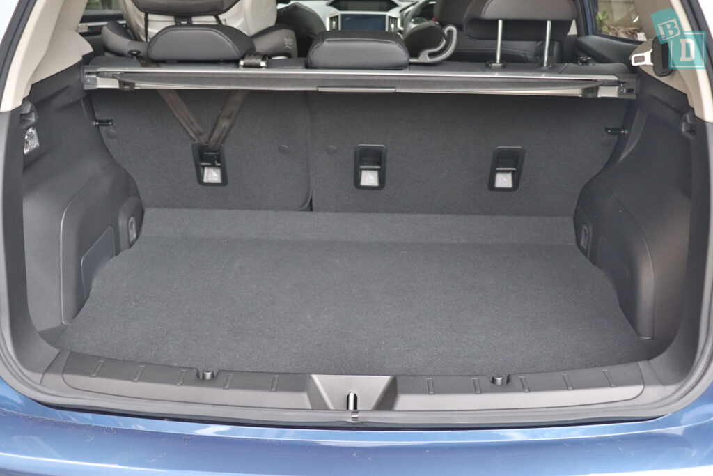 Subaru Impreza 2020 2.0i-S rear seats with three top tether child seat anchor connection points