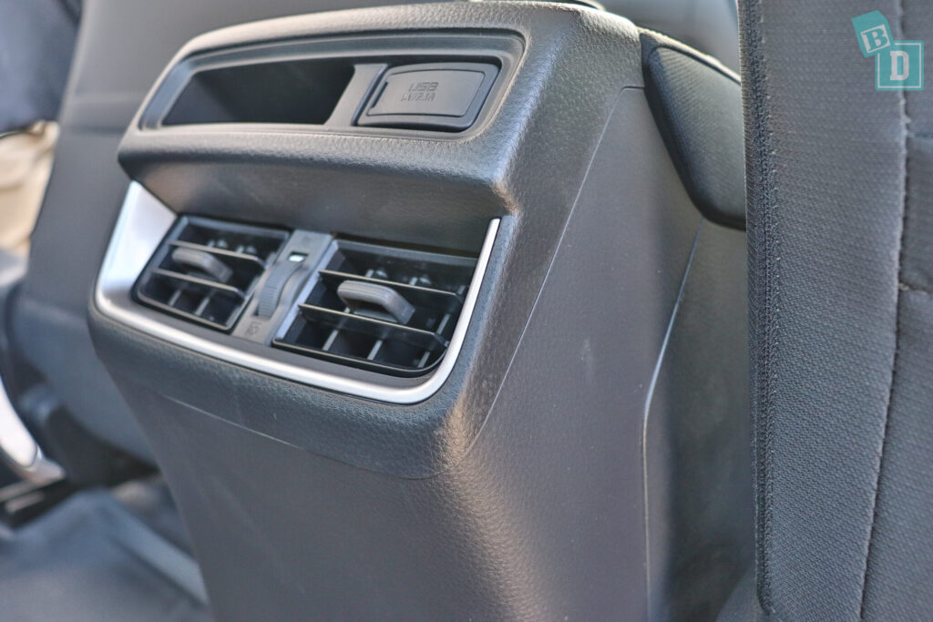Isuzu D-Max 2021 has rear air-conditioning vents and HEPA filter