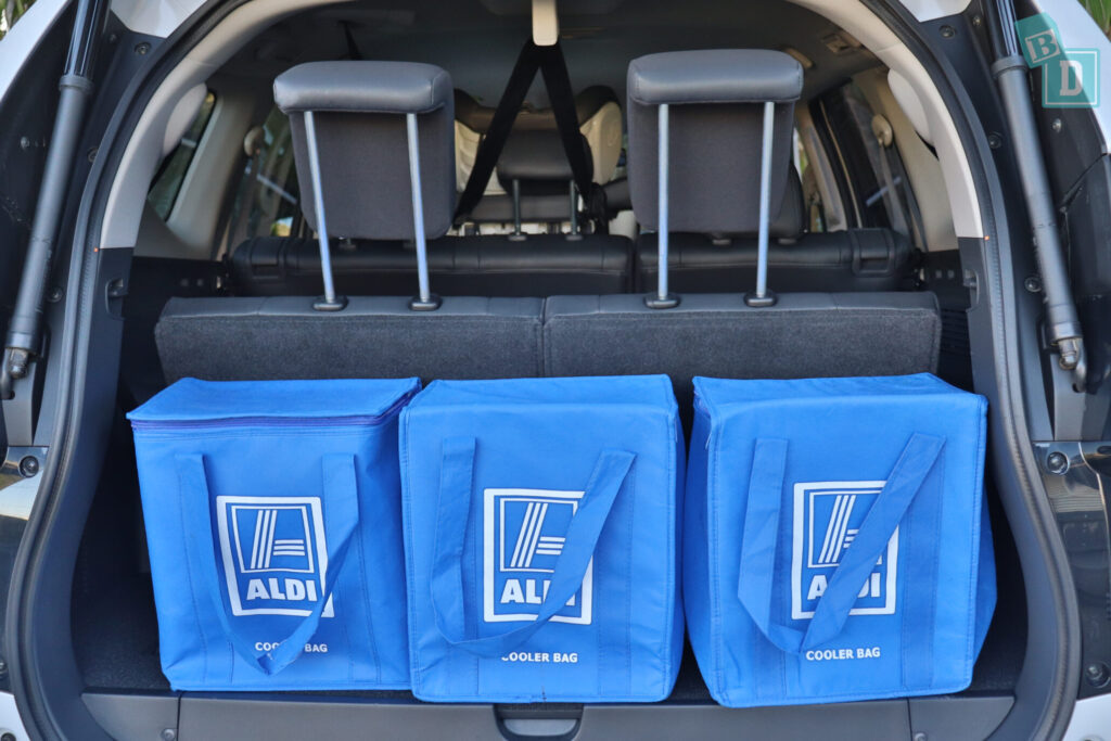 MITSUBISHI PAJERO SPORT boot space for shopping bags with all three seating rows in use