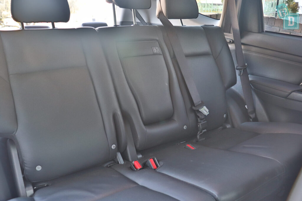 MITSUBISHI PAJERO SPORT ISOFIX child seat anchorages