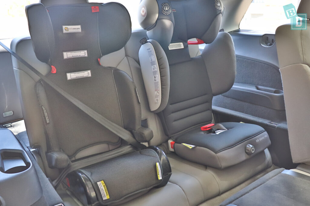 2021 Audi Q7 third row with two child seats installed