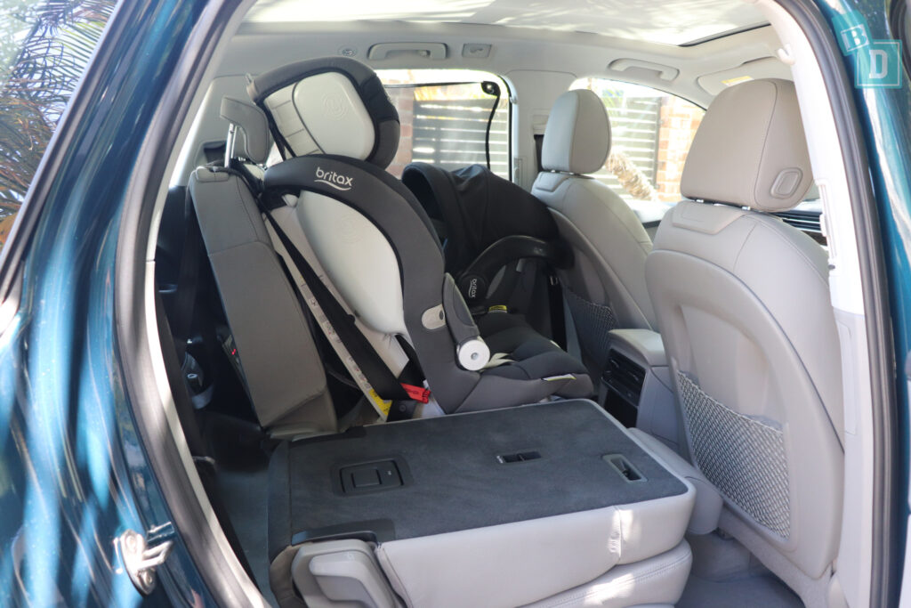 2021 Audi Q7 access to the third row with child seats in the second row