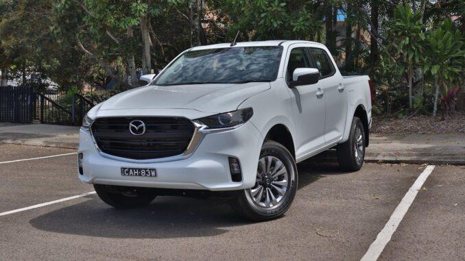 2021 Mazda BT-50 XT family car review