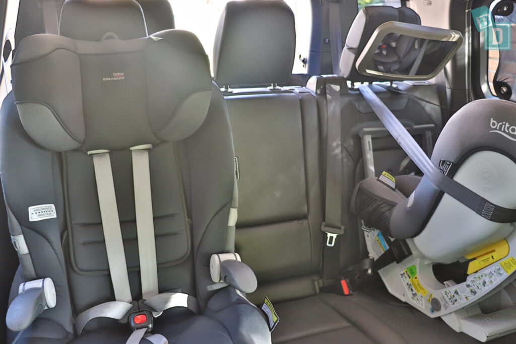 2021 Land Rover Defender 110 space between two child seats installed in the second row