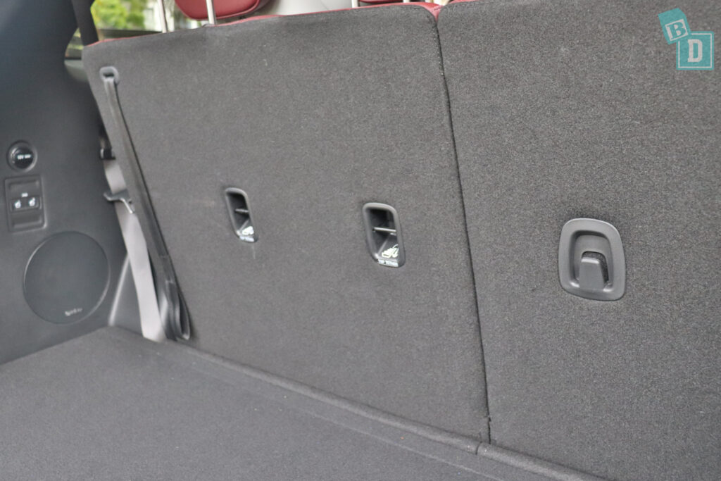 2021 Hyundai Palisade Highlander child seat top tether anchorages in third row