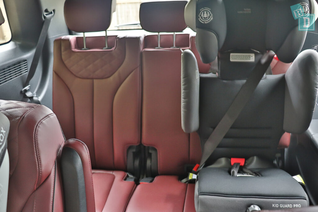 2021 Hyundai Palisade Highlander with child seats installed in third row passenger side