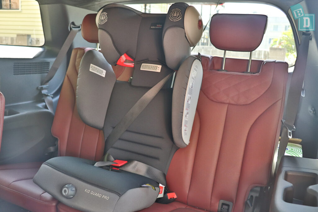 2021 Hyundai Palisade Highlander with child seat in third row