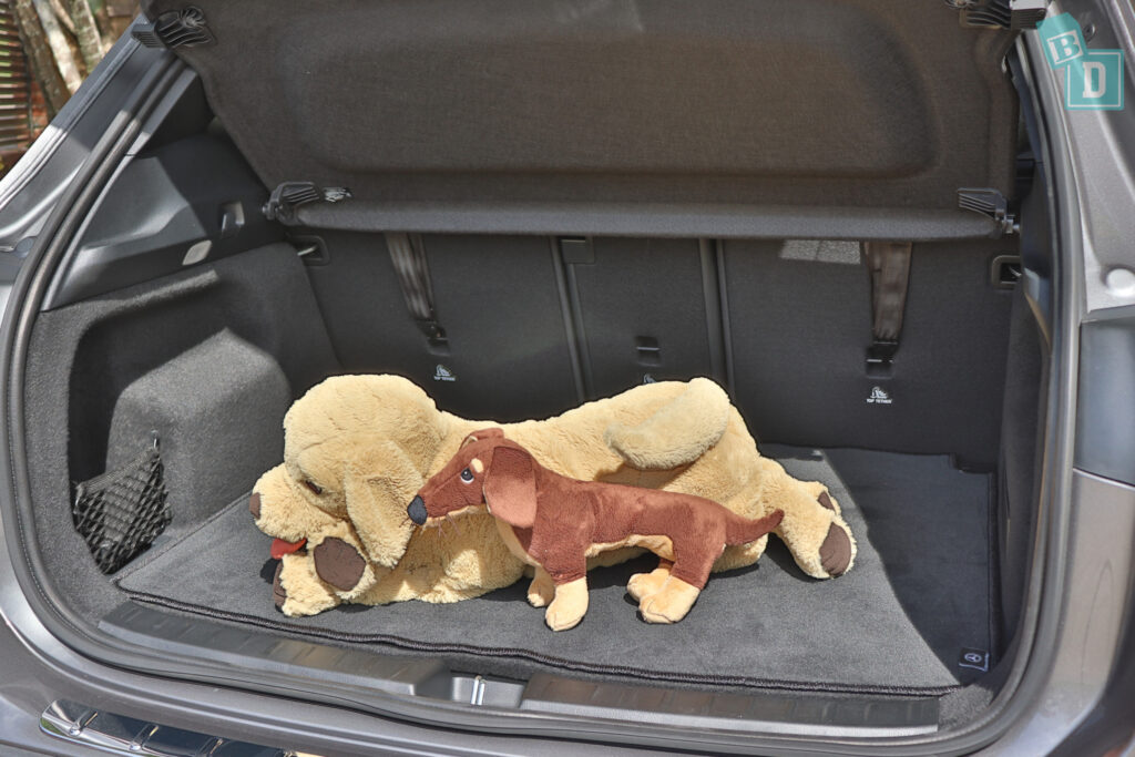 2021 Mercedes-Benz GLA 250 boot space for dogs