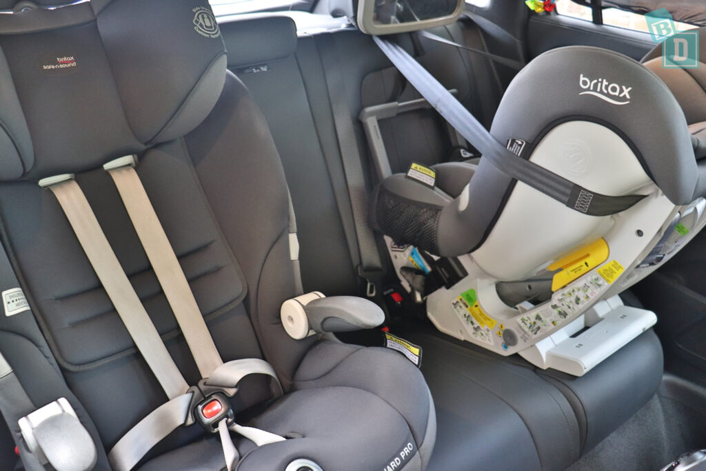 2021 Mercedes-Benz GLA 250 with two child seats installed