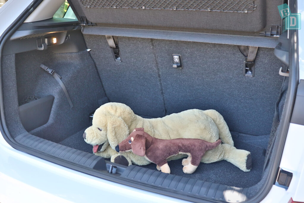 2021 Skoda Kamiq 85 TSI boot space for dogs with two rows of seats in use