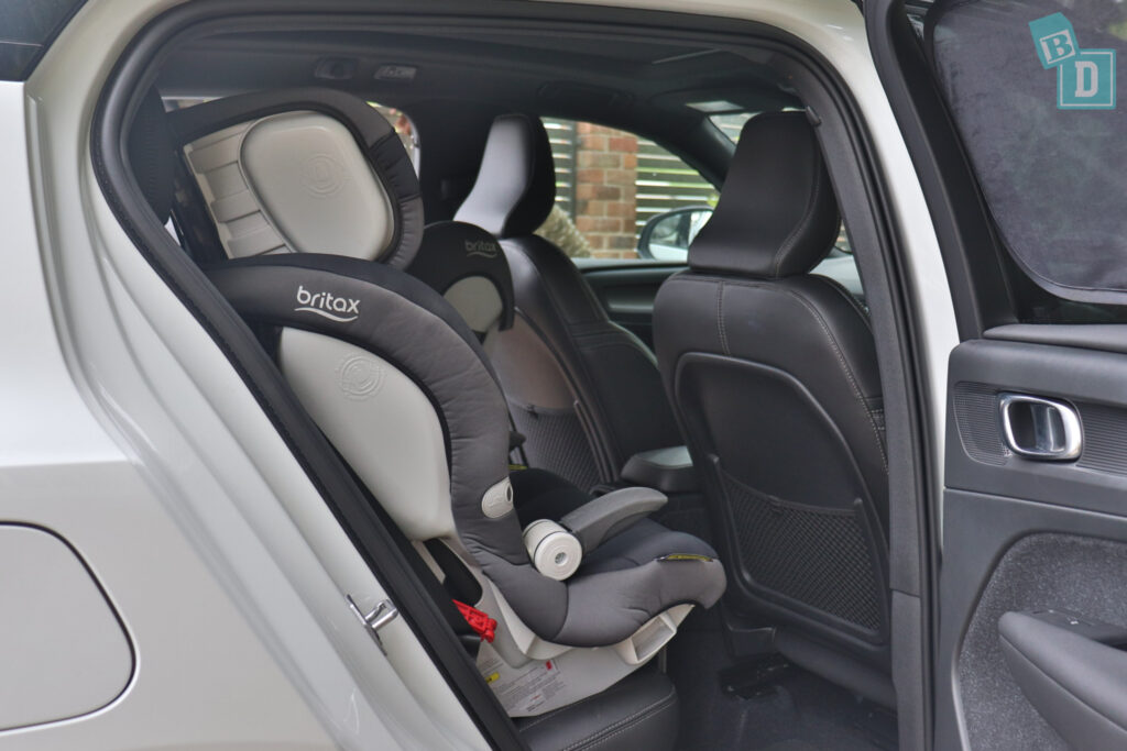 2021 VOLVO XC40 PHEV legroom with forward-facing child seats installed in the second row