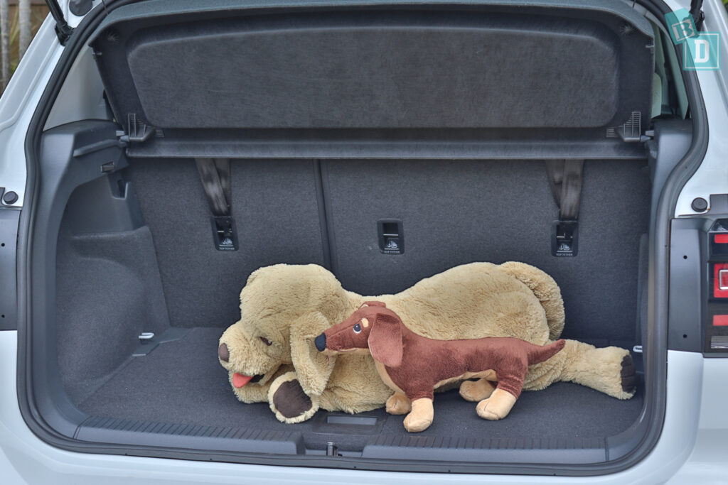 2021 Volkswagen T-Cross 85 TSI Life boot space for dogs with two rows of seats in use
