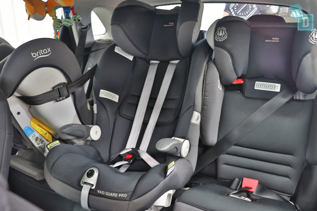 2021 KIA E-NIRO legroom with rear-facing child seats installed in the second row