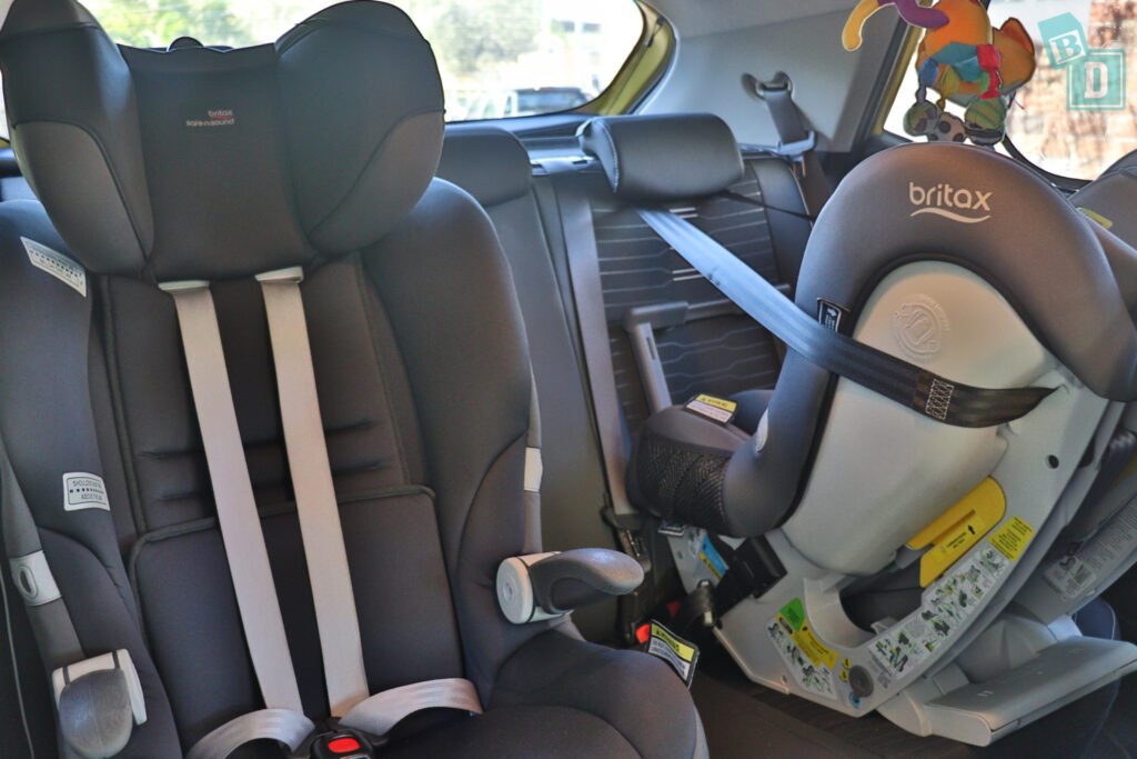 2021 Kia Stonic GT Line with two child seats installed in the second row
