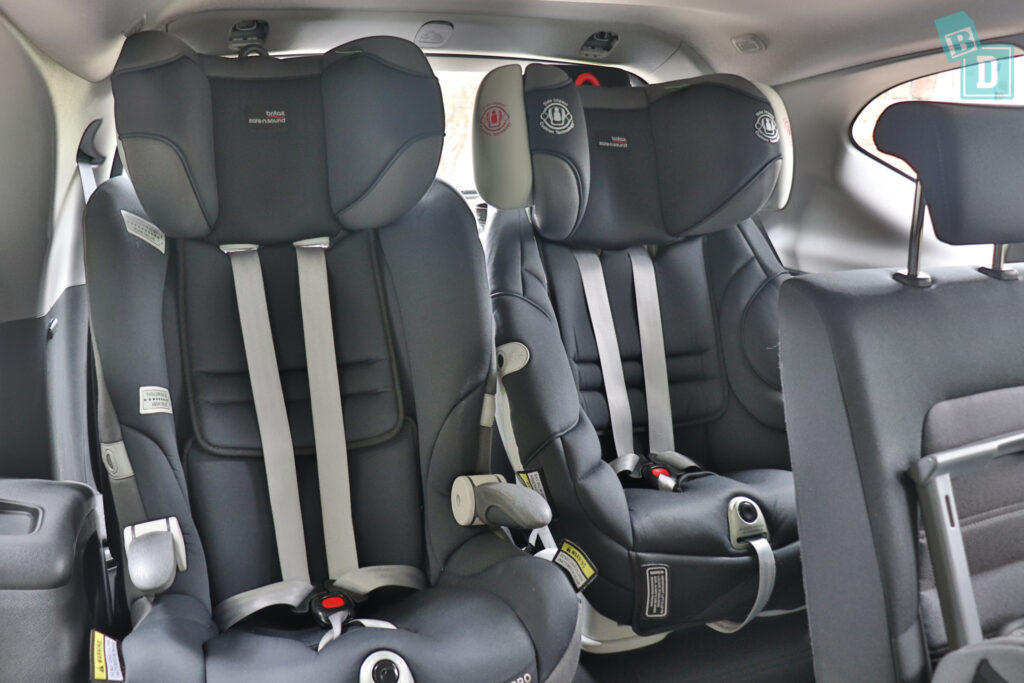 2021 Honda CR-V with two child seats installed in the third row