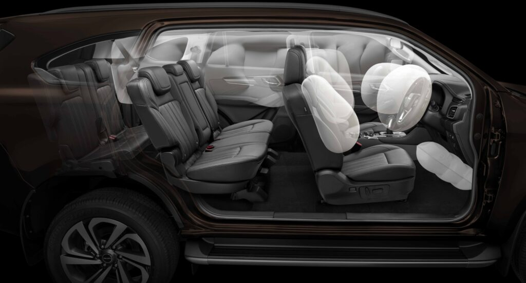 Isuzu MU-X Airbag shot showing front central airbag & airbags to all three rows