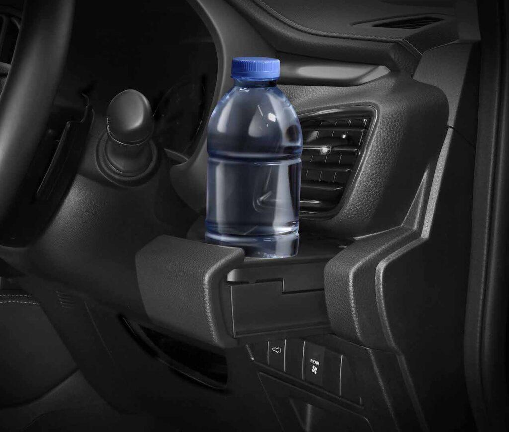 ISUZU MU-X Front Seat Cupholder