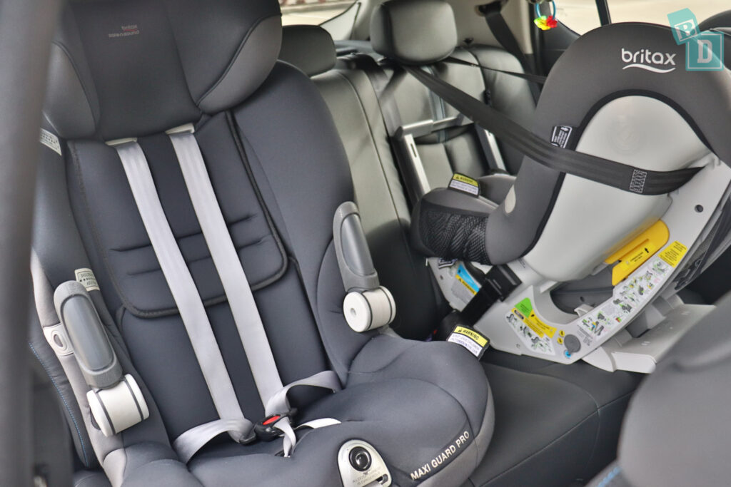 2021 Nissan Leaf e+ space between two child seats installed in the second row