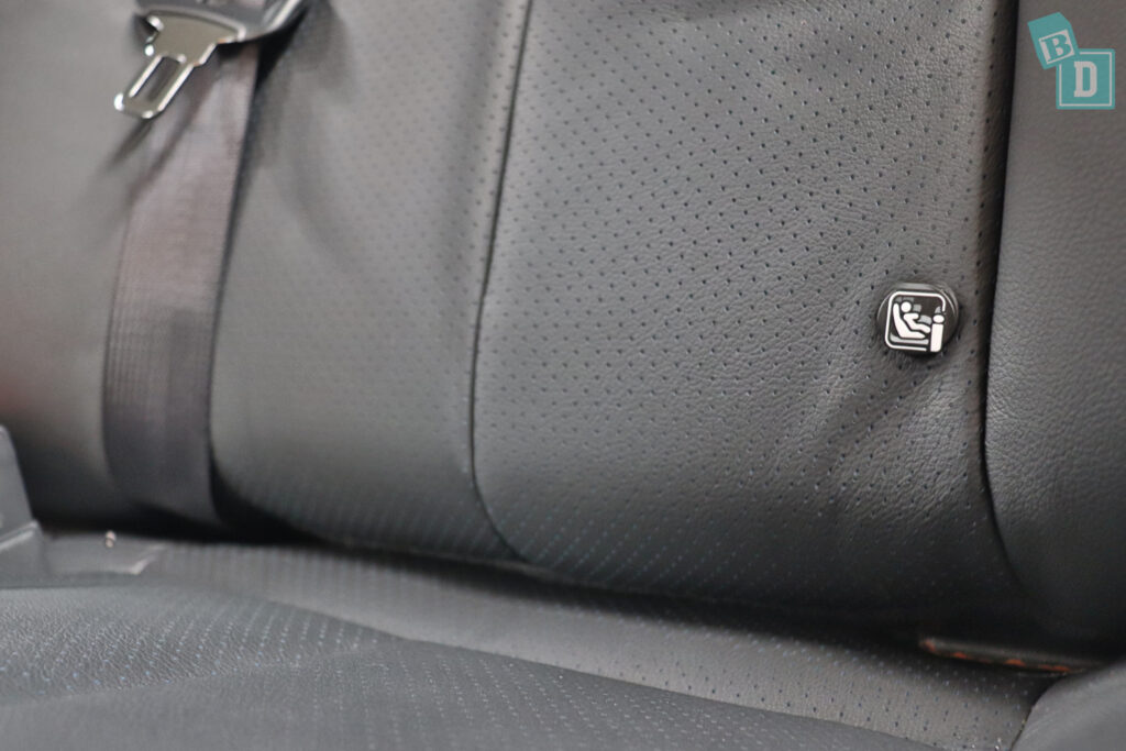 2021 Nissan Leaf e+ ISOFIX child seat anchorages in the second row