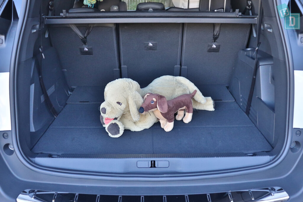 2021 Peugeot 5008 boot space for dogs with two rows of seats in use