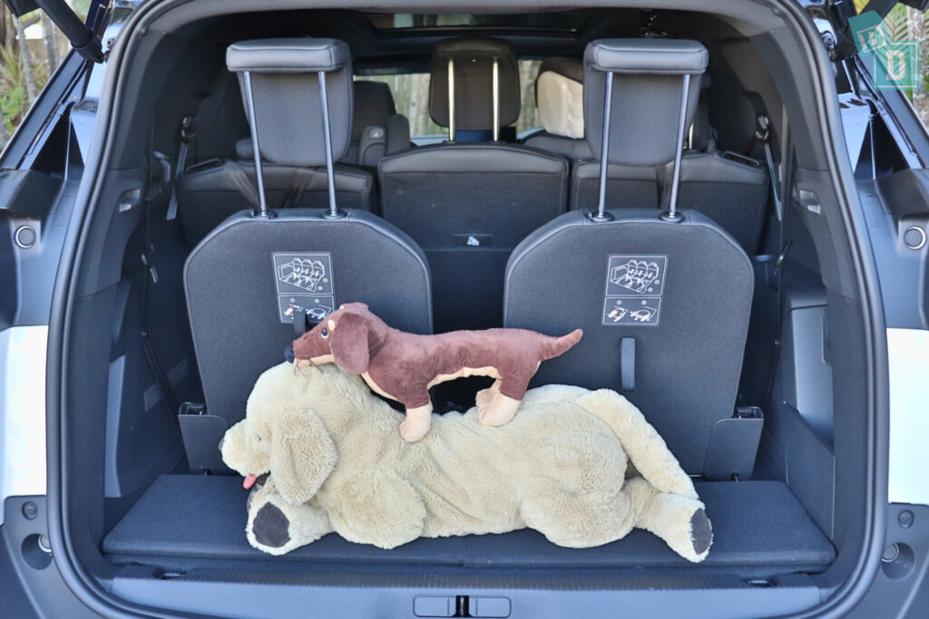 2021 Peugeot 5008 boot space for dogs with all three rows in use