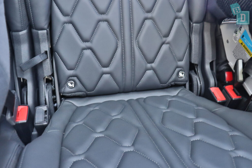 2021 Peugeot 5008 top tether child seat anchorages in the second row