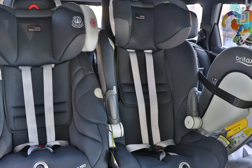 2021 Peugeot 5008 with three child seats installed in the second row