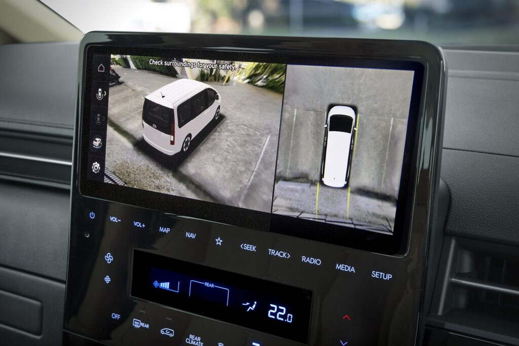Hyundai Staria 360 degree surround view camera