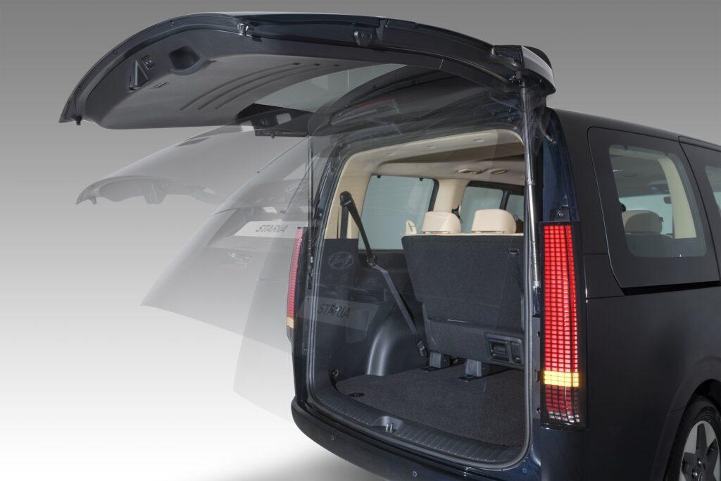 Hyundai Staria 2022 boot